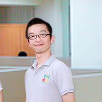 Mr Okumura , Trưởng khoa tiếng Nhật tại Trường ngôn ngữ quốc tế YMCA